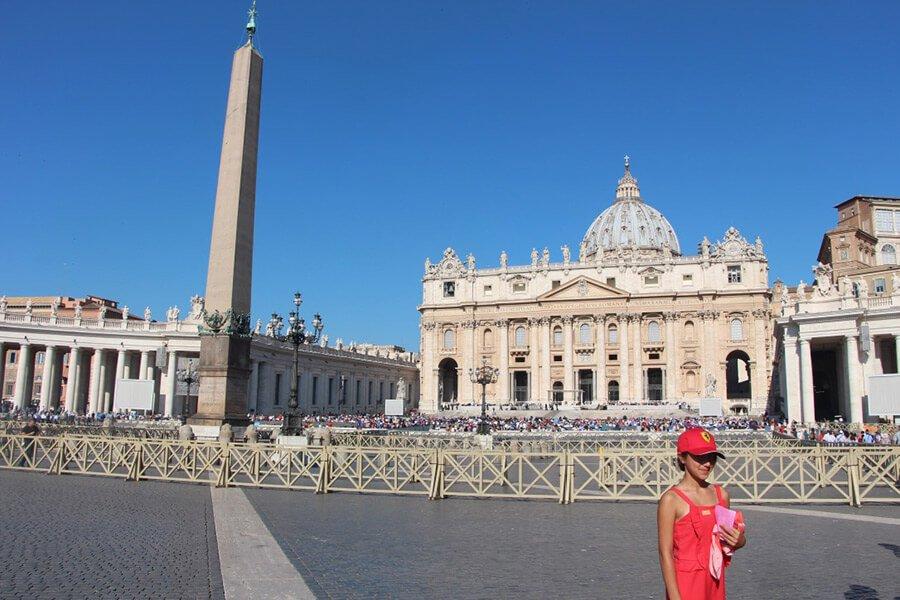 The Benitez Euro Adventures 2017 Part 1 – Italy (Rome, Assisi, Tivoli) Daniella at The Vatican