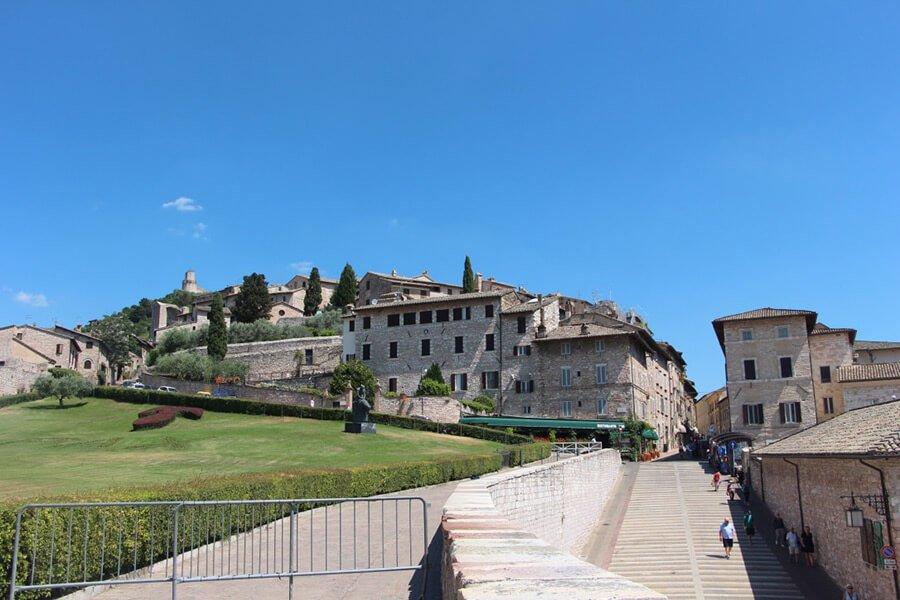 The Benitez Euro Adventures 2017 Part 1 – Italy (Rome, Assisi, Tivoli) Exploring Assisi