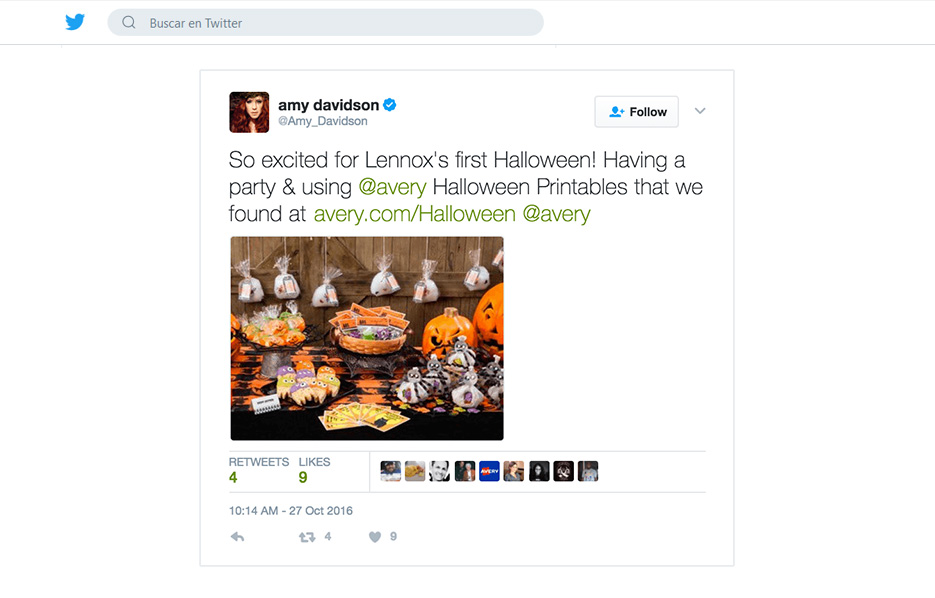 Avery products being used in a Amy Davidson Twitter Post